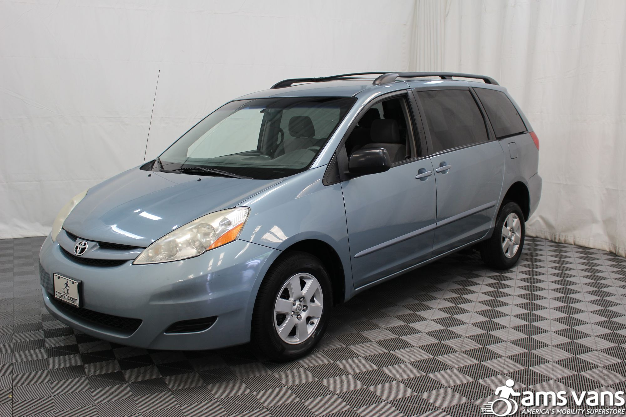 2007 Toyota Sienna LE Wheelchair Van For Sale #13