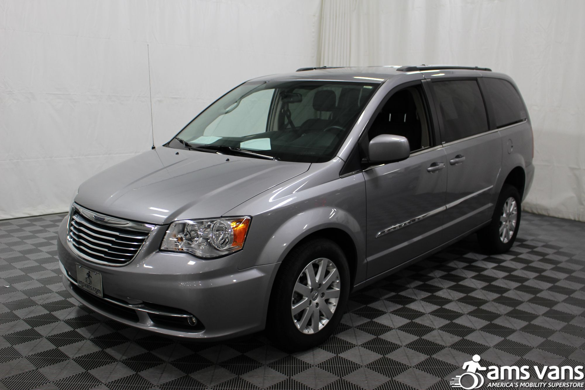 2013 Chrysler Town & Country Touring Wheelchair Van For Sale #18