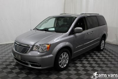 2013 Chrysler Town & Country Wheelchair Van For Sale -- Thumb #18