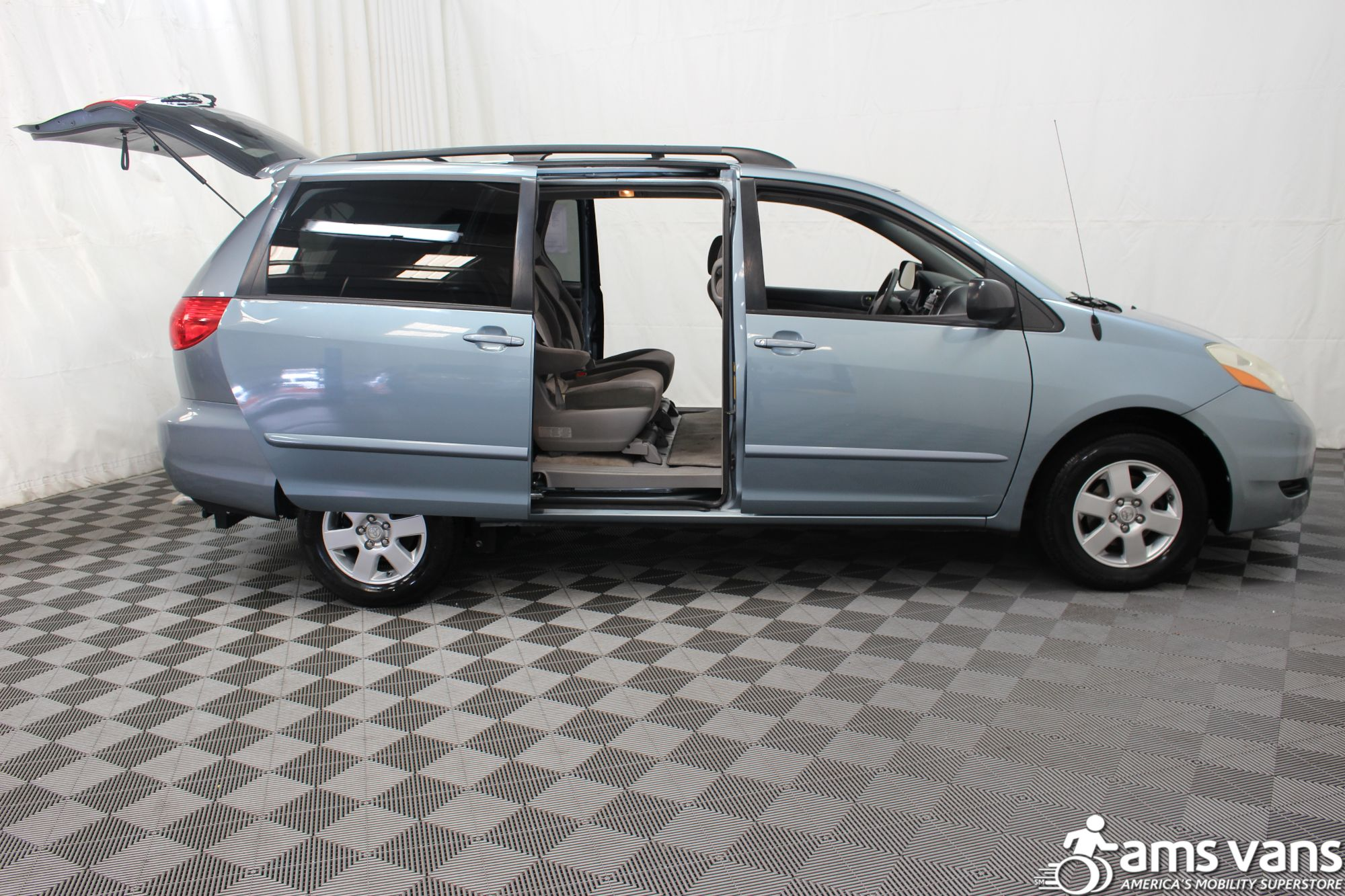 2007 Toyota Sienna LE Wheelchair Van For Sale #5