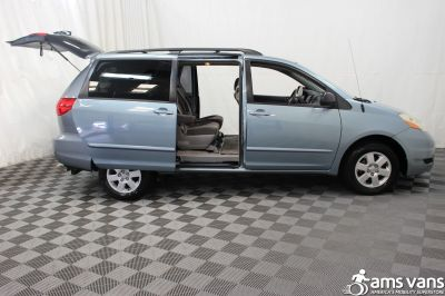 2007 Toyota Sienna Wheelchair Van For Sale -- Thumb #5