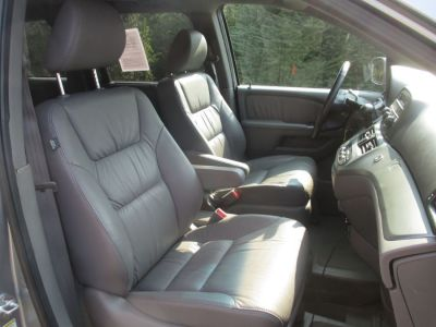 GREEN Honda Odyssey image number 15
