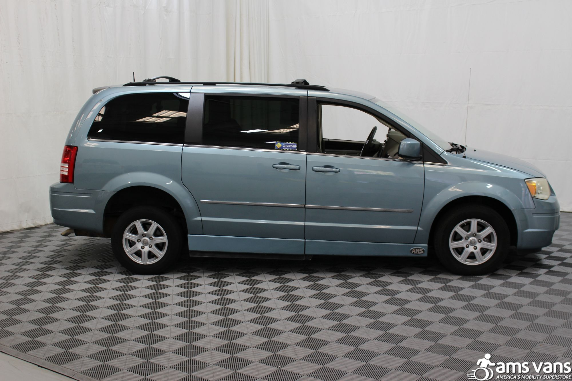 2010 Chrysler Town and Country Wheelchair Van For Sale #12