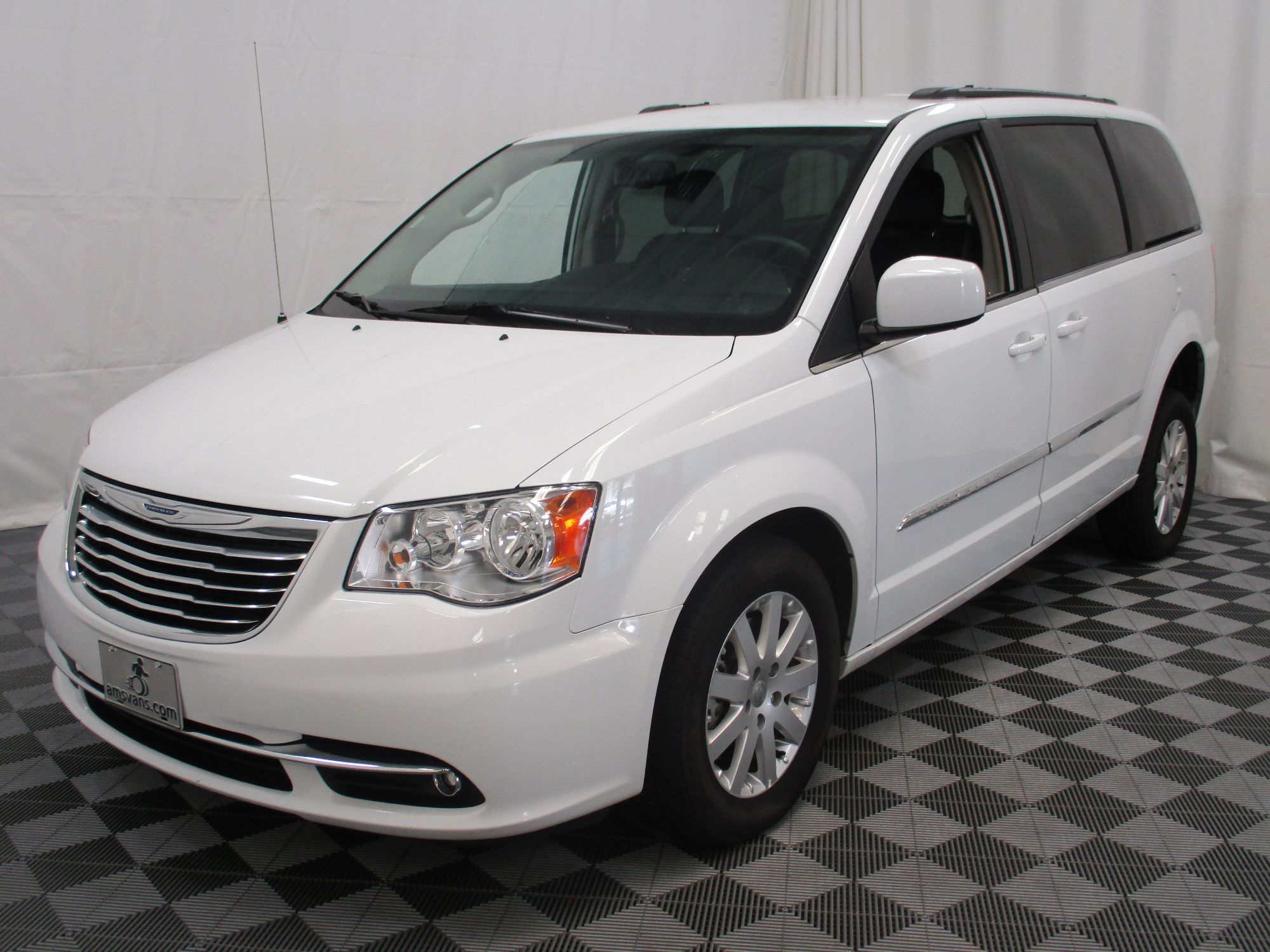 2015 Chrysler Town and Country Touring Wheelchair Van For Sale #16