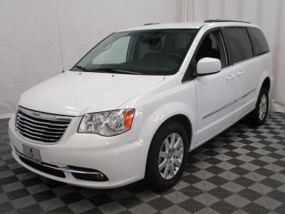 2015 Chrysler Town and Country Wheelchair Van For Sale -- Thumb #16