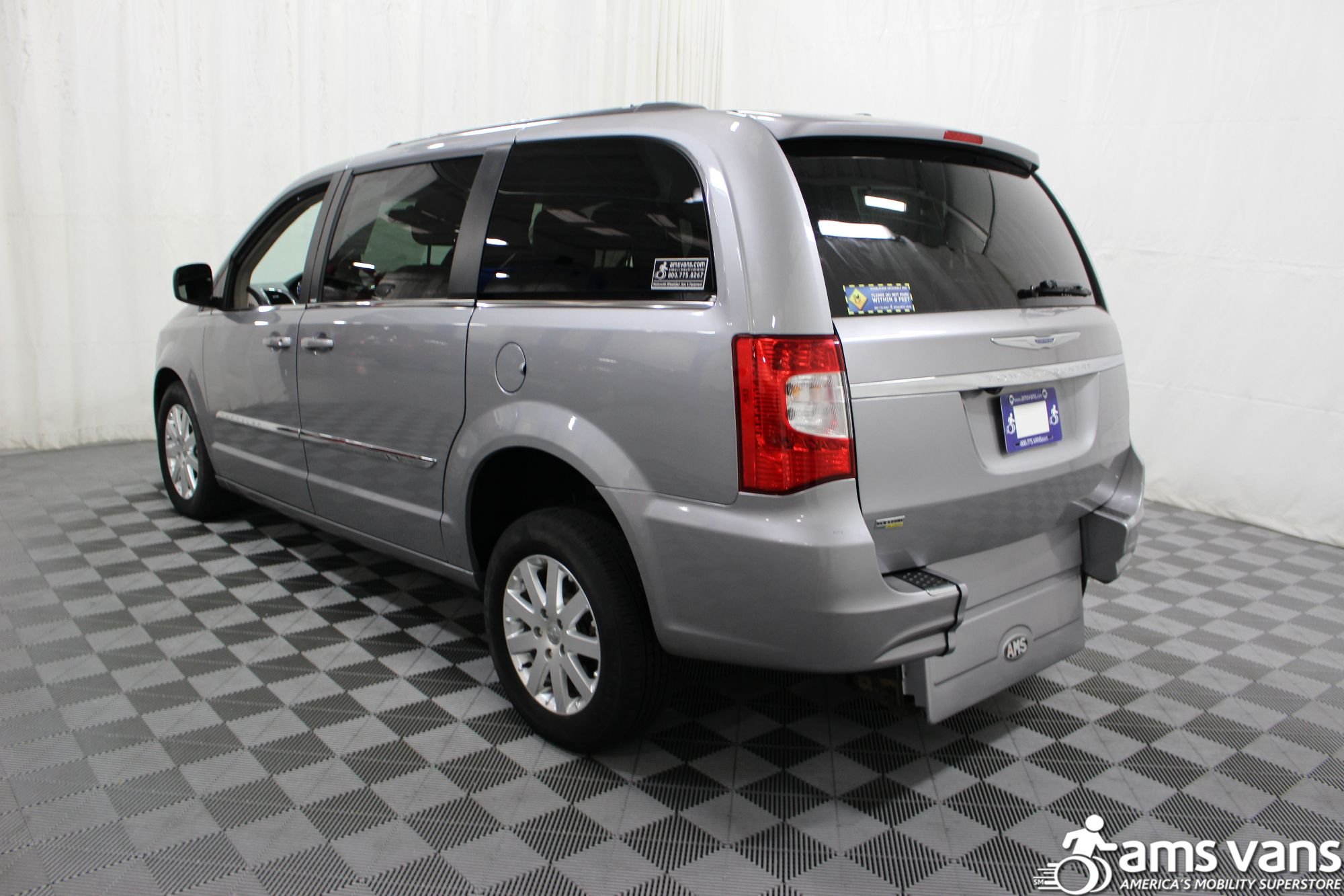 2013 Chrysler Town & Country Touring Wheelchair Van For Sale #16