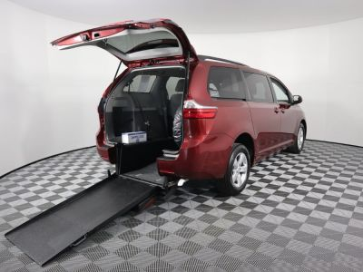 Commercial Wheelchair Vans for Sale - 2017 Toyota Sienna LE ADA Compliant Vehicle VIN: 5TDKZ3DC1HS844870