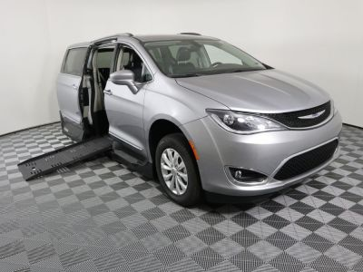 New Wheelchair Van for Sale - 2019 Chrysler Pacifica Touring L Wheelchair Accessible Van VIN: 2C4RC1BG1KR650124