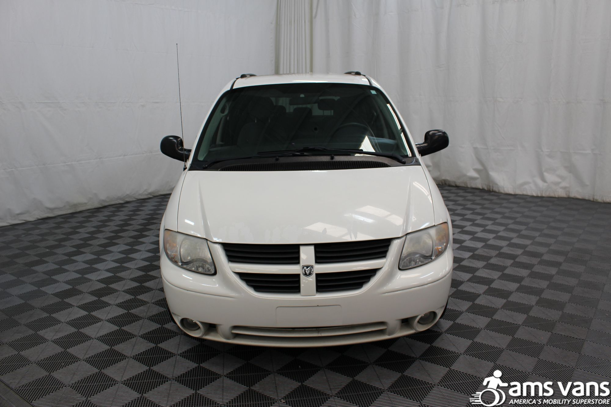2006 Dodge Grand Caravan SXT Wheelchair Van For Sale #7