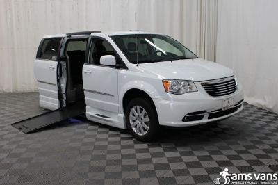 2014 Chrysler Town & Country Wheelchair Van For Sale