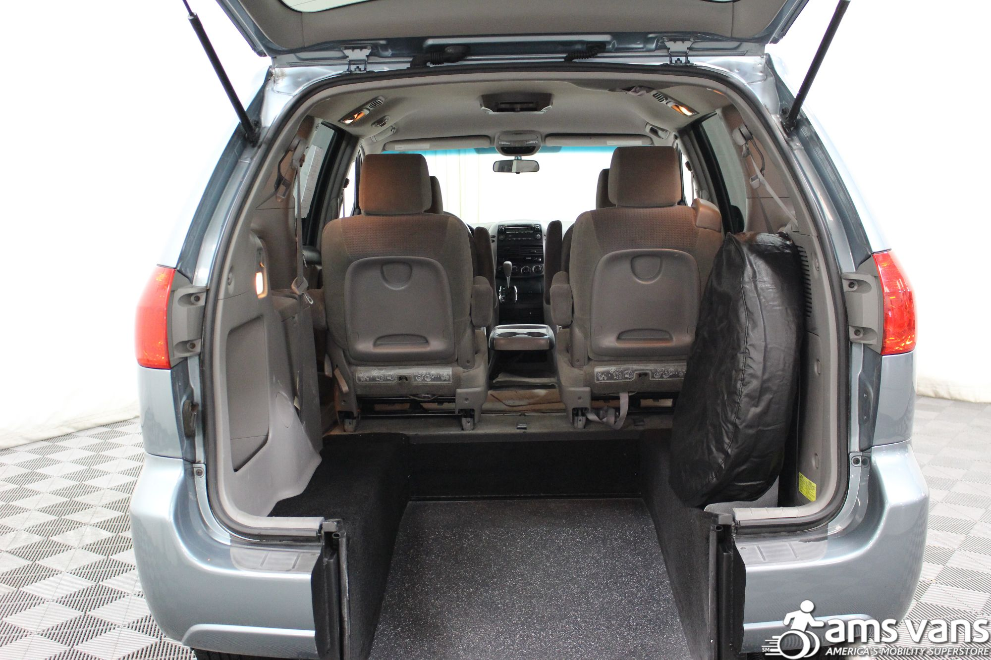 2006 Toyota Sienna LE Wheelchair Van For Sale #5