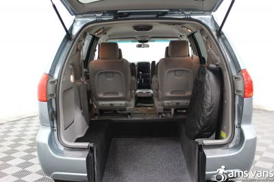 2006 Toyota Sienna Wheelchair Van For Sale -- Thumb #5