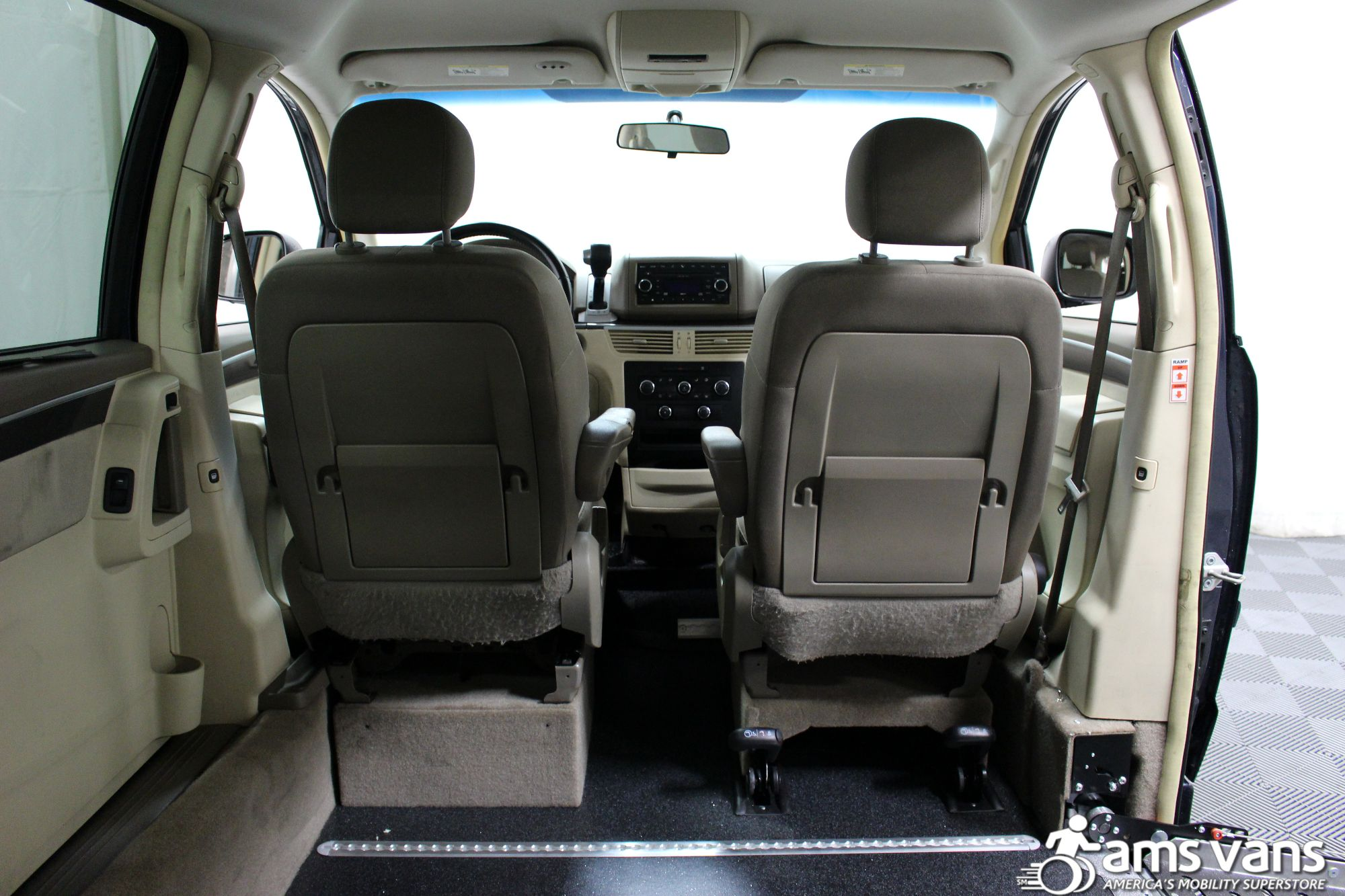 2009 Volkswagen Routan SE Wheelchair Van For Sale #6