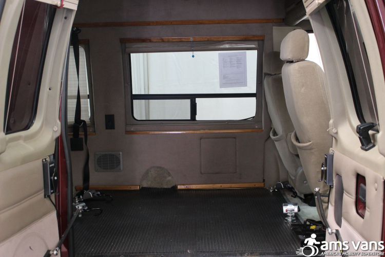 2005 Ford E-Series Chassis E-250 SD Wheelchair Van For Sale #12