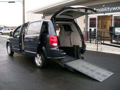Wheelchair Van Used 2013 Dodge Grand Caravan Dr627745a Mobilityworks