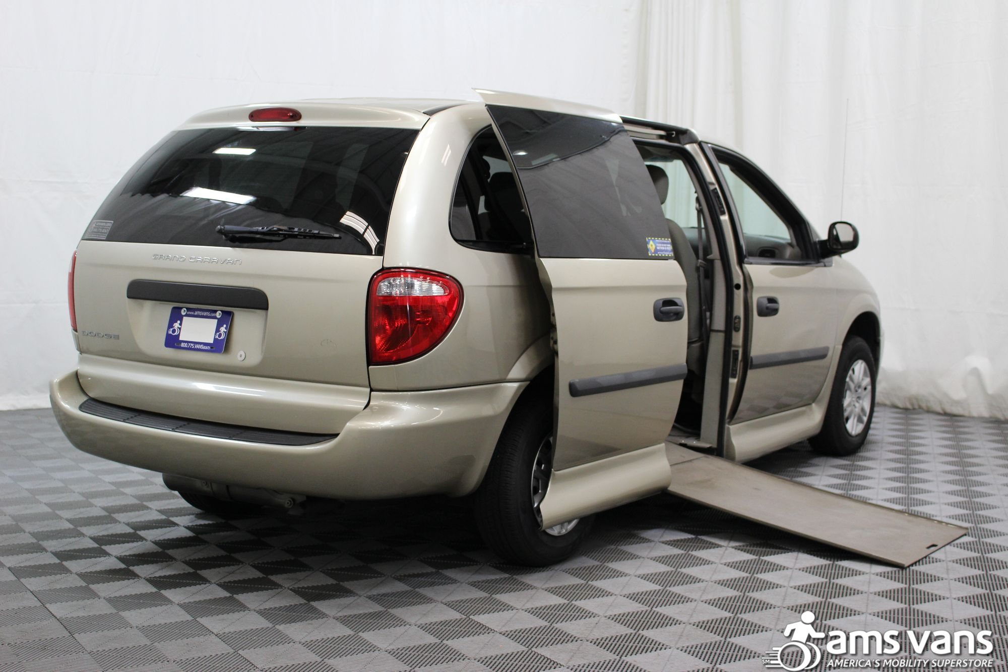2007 Dodge Grand Caravan SE Wheelchair Van For Sale #3