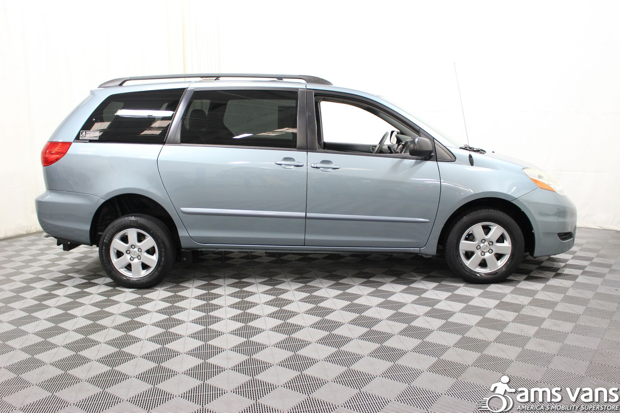 2006 Toyota Sienna LE Wheelchair Van For Sale #10