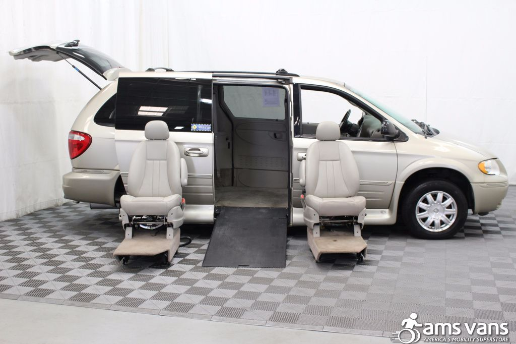 2005 Chrysler Town and Country Touring Wheelchair Van For Sale #10