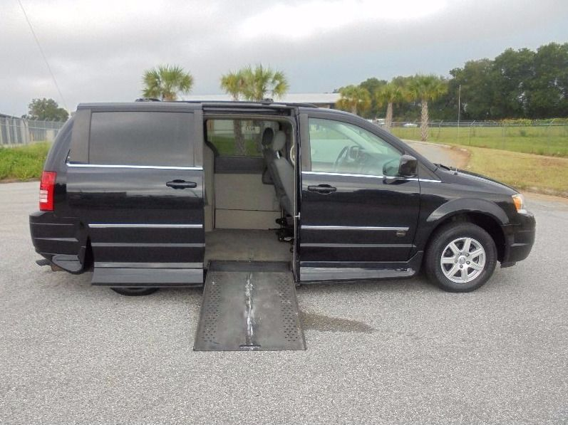 Wheelchair vans for sale mobilityworks autos post for Wheelchair accessible homes for sale in florida
