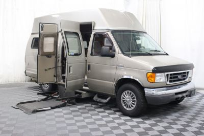 2007 Ford E-Series Chassis Wheelchair Van For Sale