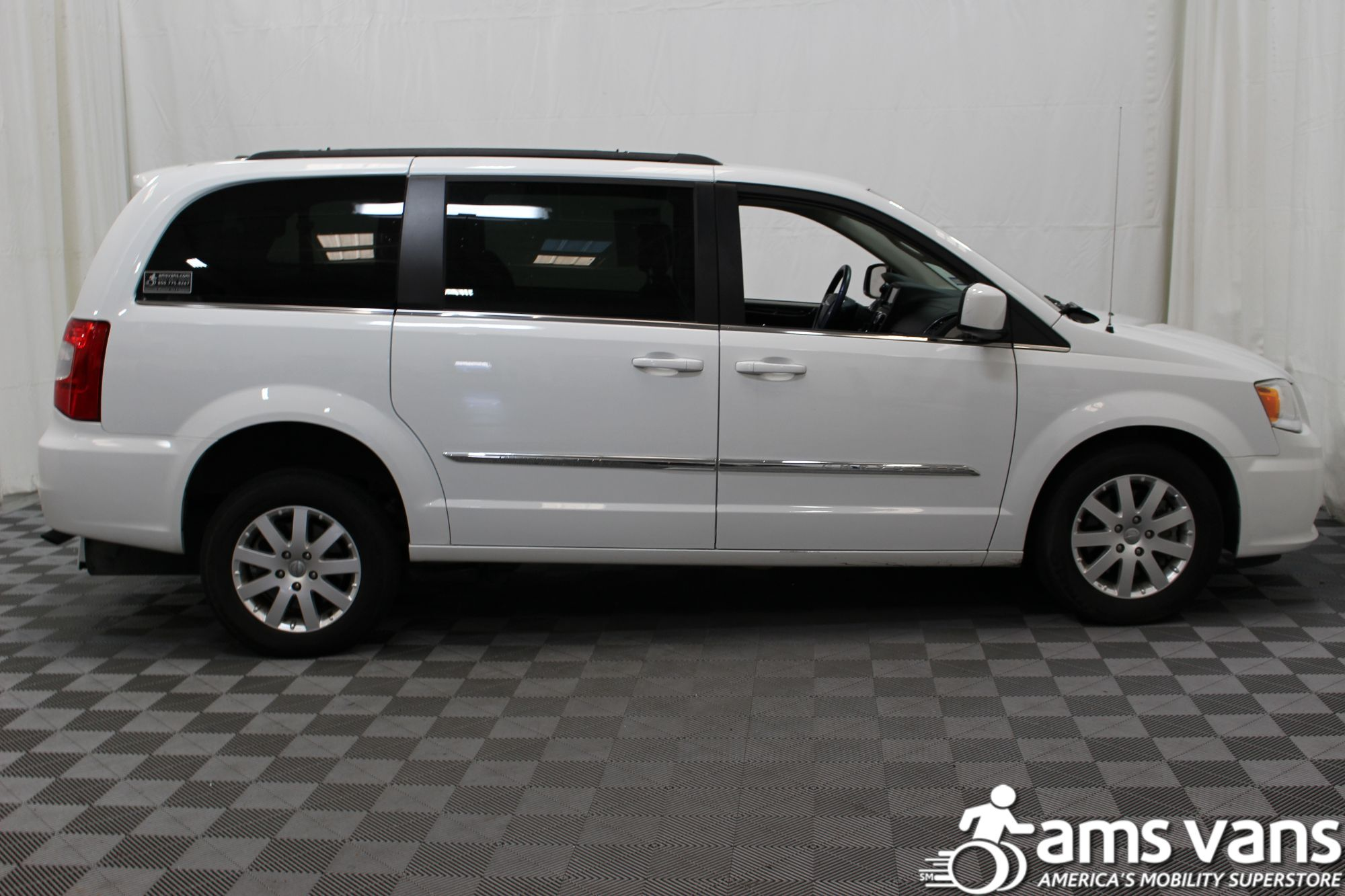 2014 Chrysler Town and Country Touring Wheelchair Van For Sale #11