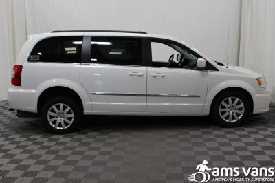 2014 Chrysler Town and Country Wheelchair Van For Sale -- Thumb #11