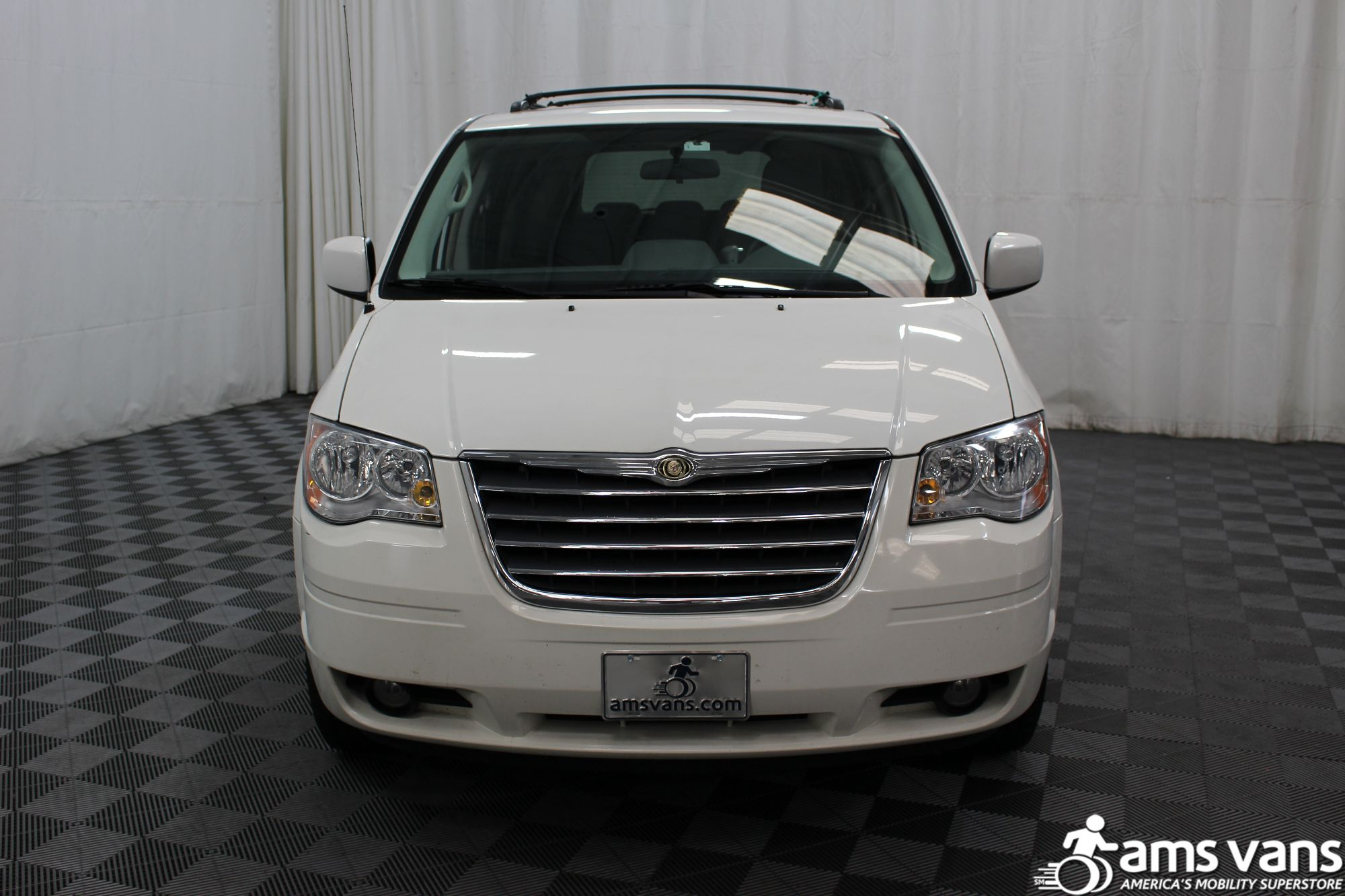 2010 Chrysler Town and Country Touring Wheelchair Van For Sale #14