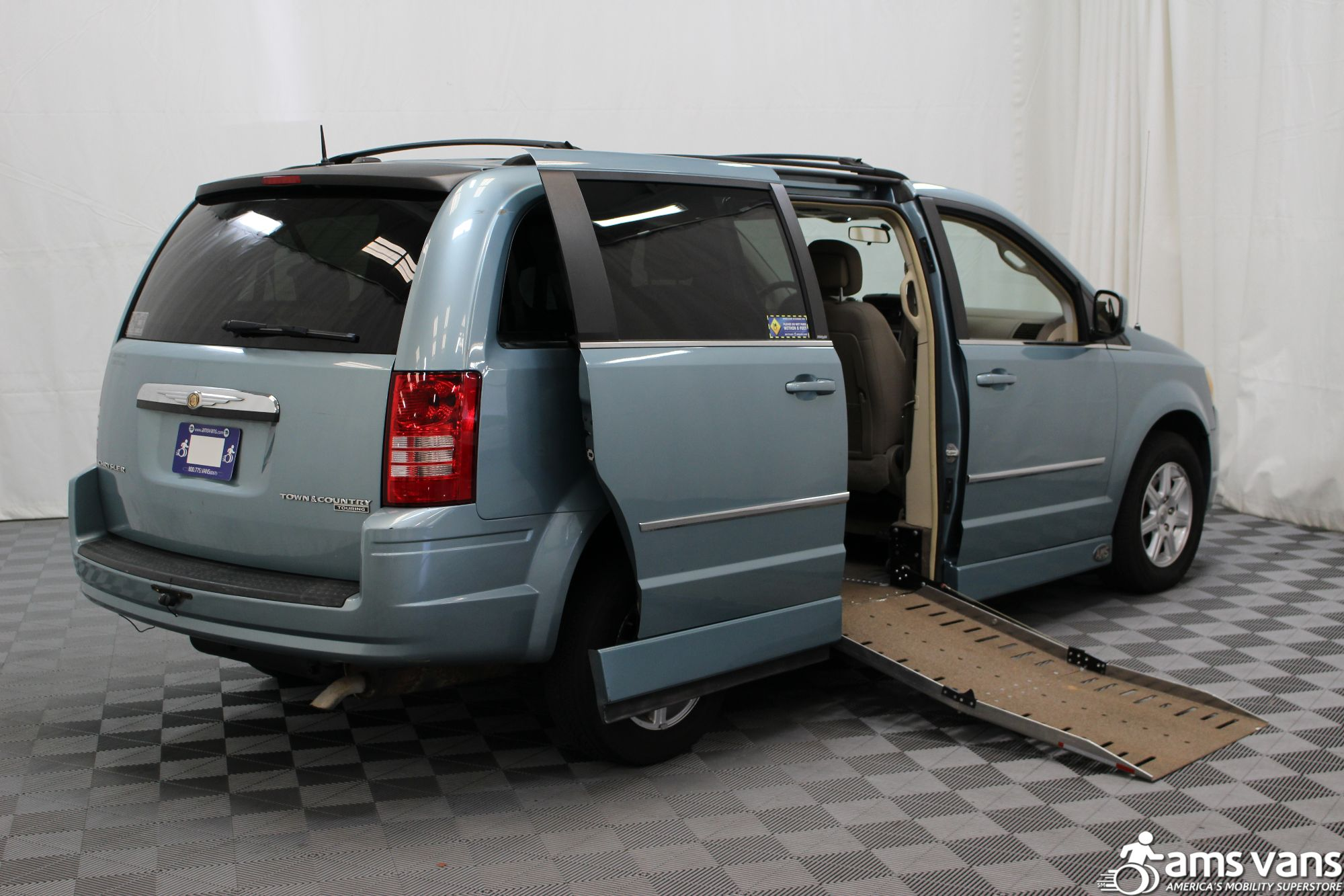 2010 Chrysler Town and Country Wheelchair Van For Sale #3