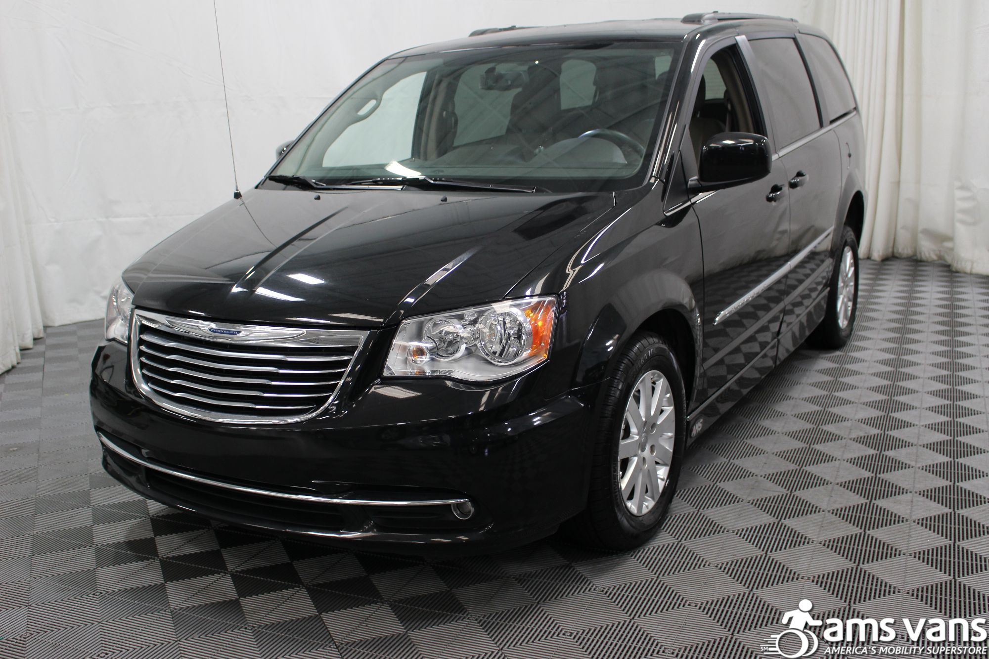 2016 chrysler town and country wheelchair van for sale 38 995. Black Bedroom Furniture Sets. Home Design Ideas
