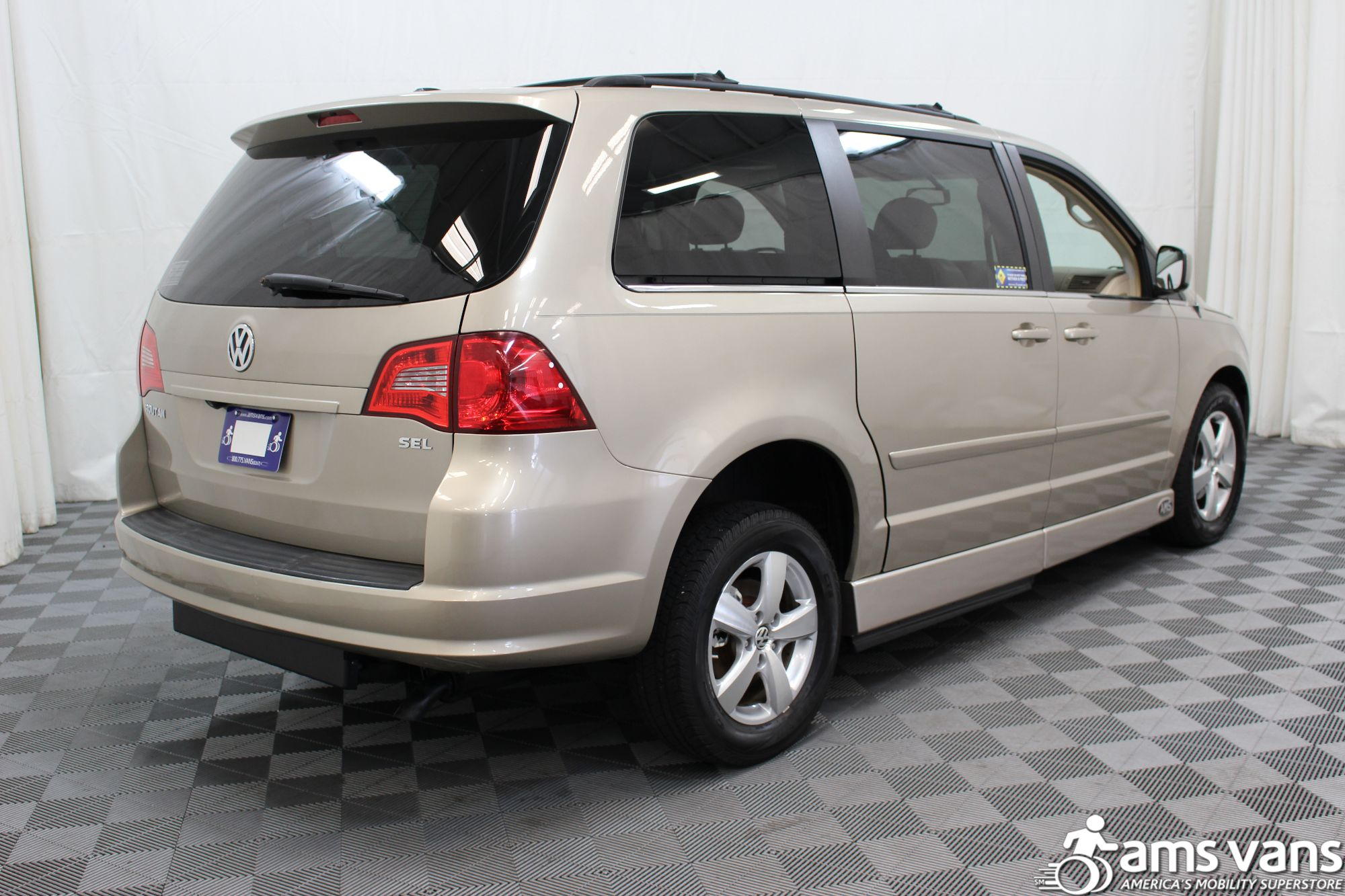 2009 Volkswagen Routan SEL Wheelchair Van For Sale #14