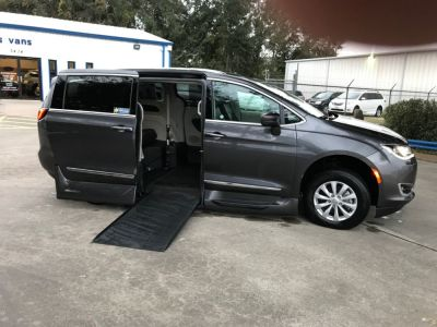 Handicap Van for Sale - 2018 Chrysler Pacifica Touring L Wheelchair Accessible Van VIN: 2C4RC1BG8JR120814