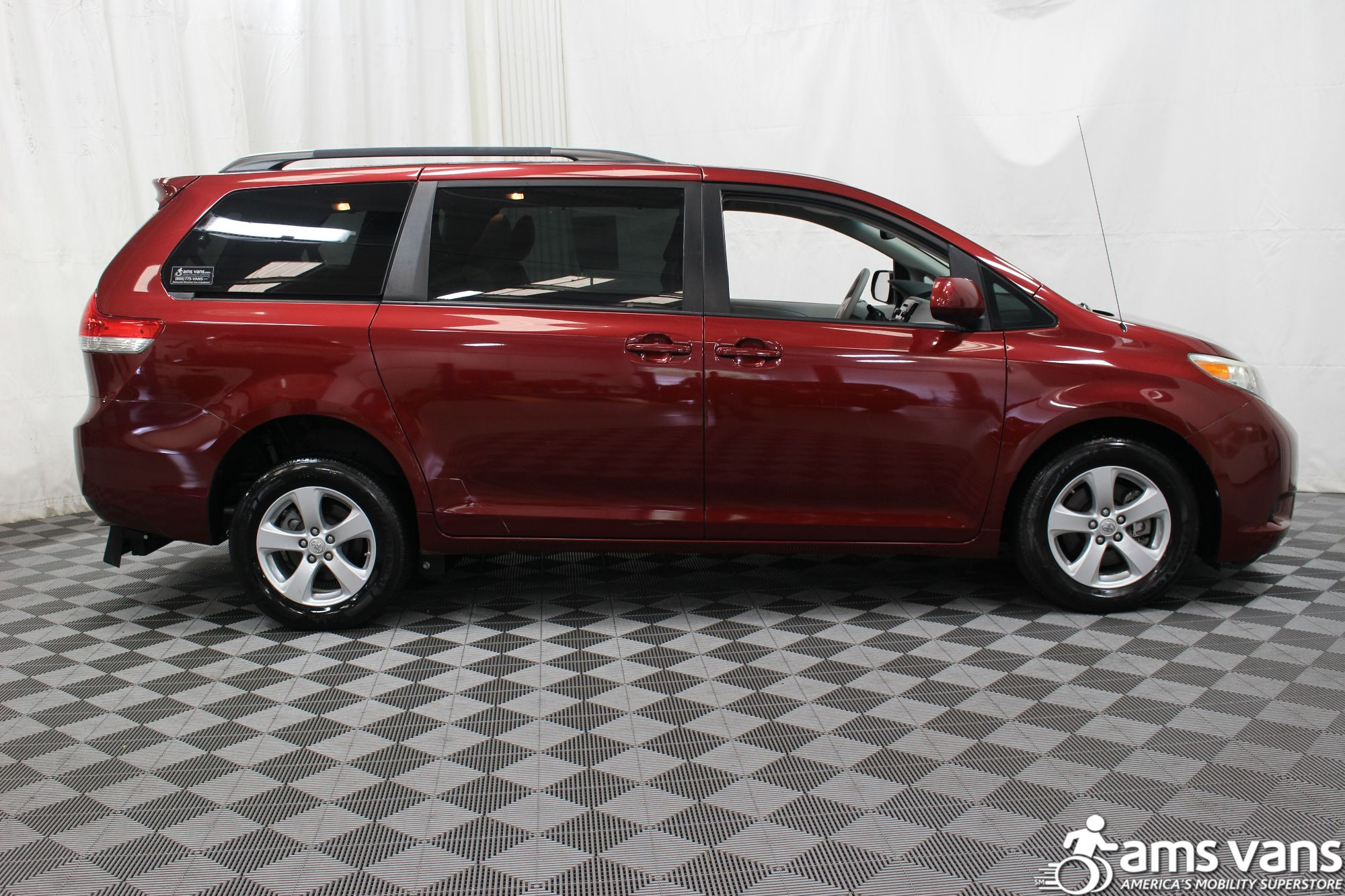 2011 Toyota Sienna LE Wheelchair Van For Sale #10