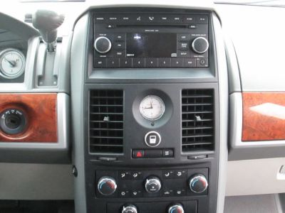 Blue Chrysler Town and Country image number 9