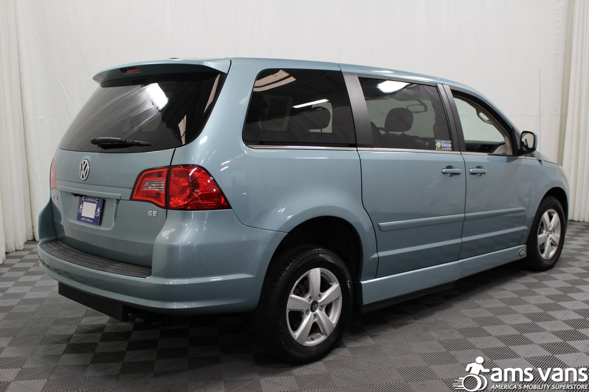 2010 Volkswagen Routan Wheelchair Van For Sale #13