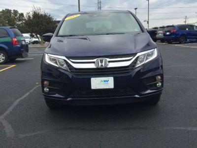 Blue Honda Odyssey image number 1