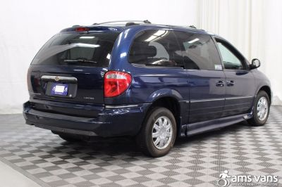 2005 Chrysler Town and Country Wheelchair Van For Sale -- Thumb #15