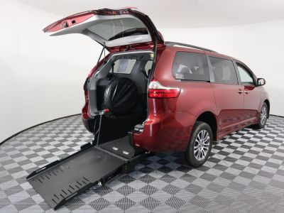Commercial Wheelchair Vans for Sale - 2020 Toyota Sienna XLE 8-Passenger ADA Compliant Vehicle VIN: 5TDYZ3DC6LS041720