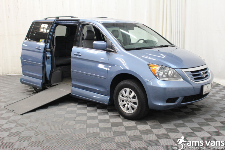 2010 honda odyssey wheelchair van for sale 35 999. Black Bedroom Furniture Sets. Home Design Ideas