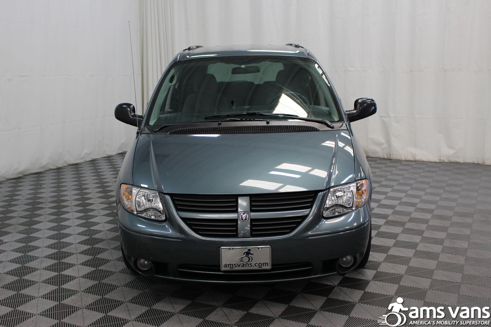 2007 Dodge Grand Caravan SXT Wheelchair Van For Sale #18