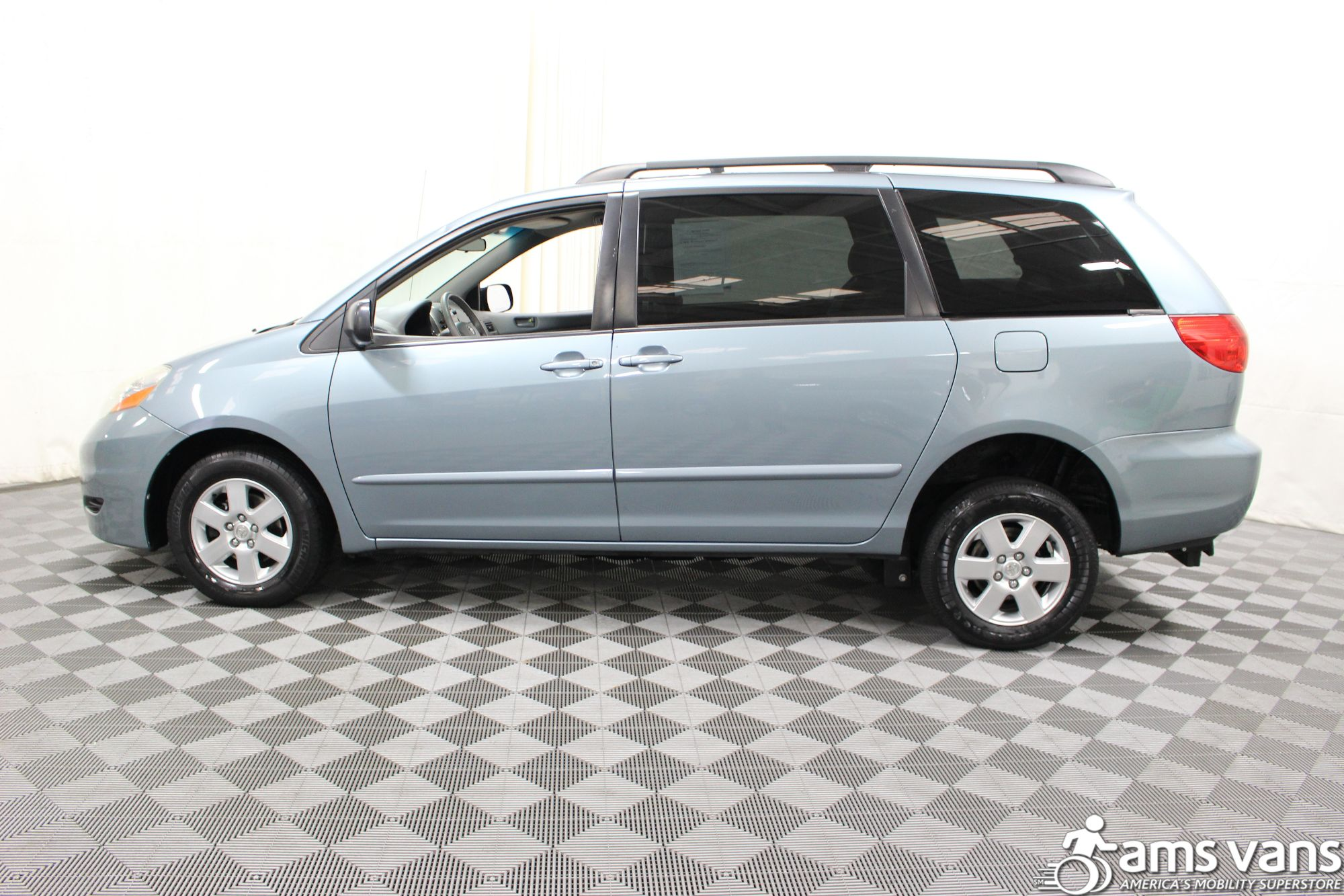 2006 Toyota Sienna LE Wheelchair Van For Sale #14