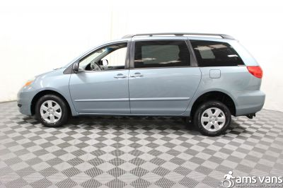 2006 Toyota Sienna Wheelchair Van For Sale -- Thumb #14
