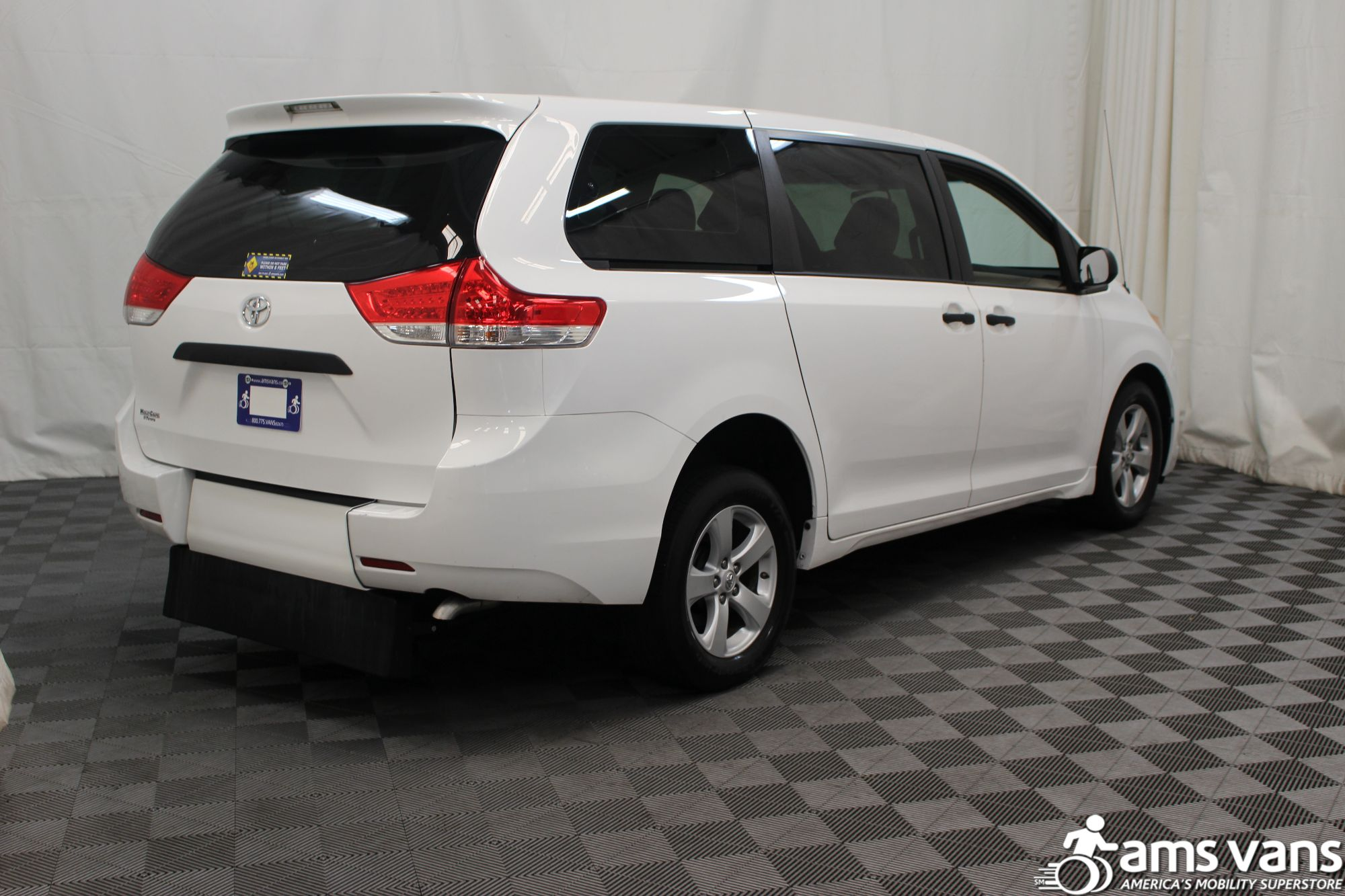 2013 Toyota Sienna L Wheelchair Van For Sale #10