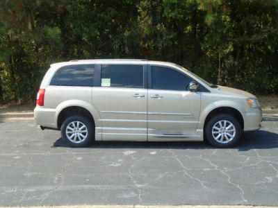 BROWN Chrysler Town and Country image number 9