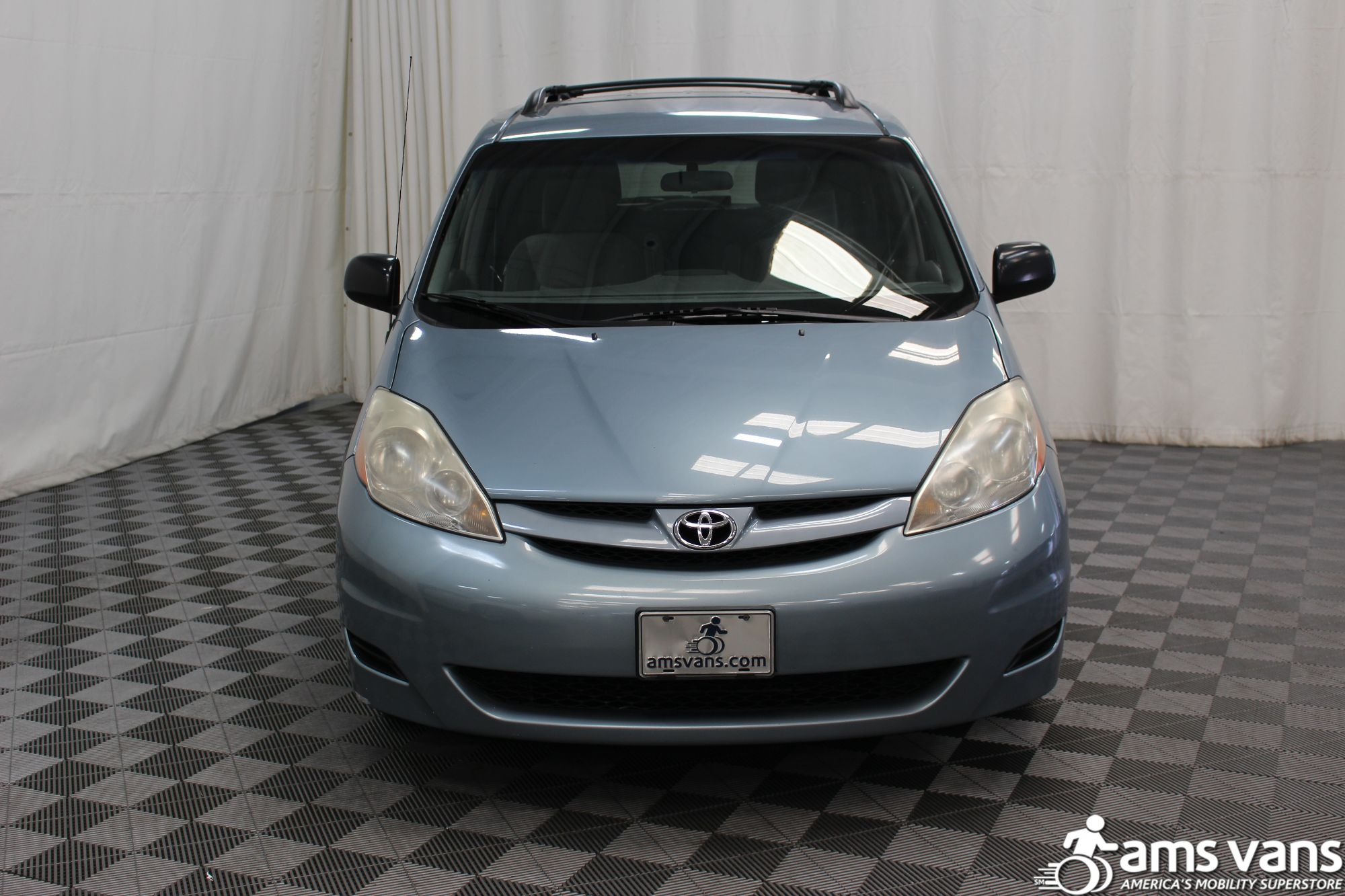 2007 Toyota Sienna LE Wheelchair Van For Sale #14