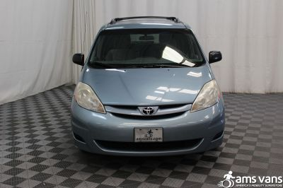 2007 Toyota Sienna Wheelchair Van For Sale -- Thumb #14