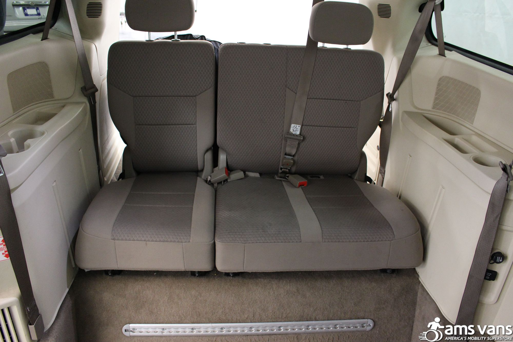2010 Chrysler Town and Country Touring Wheelchair Van For Sale #8