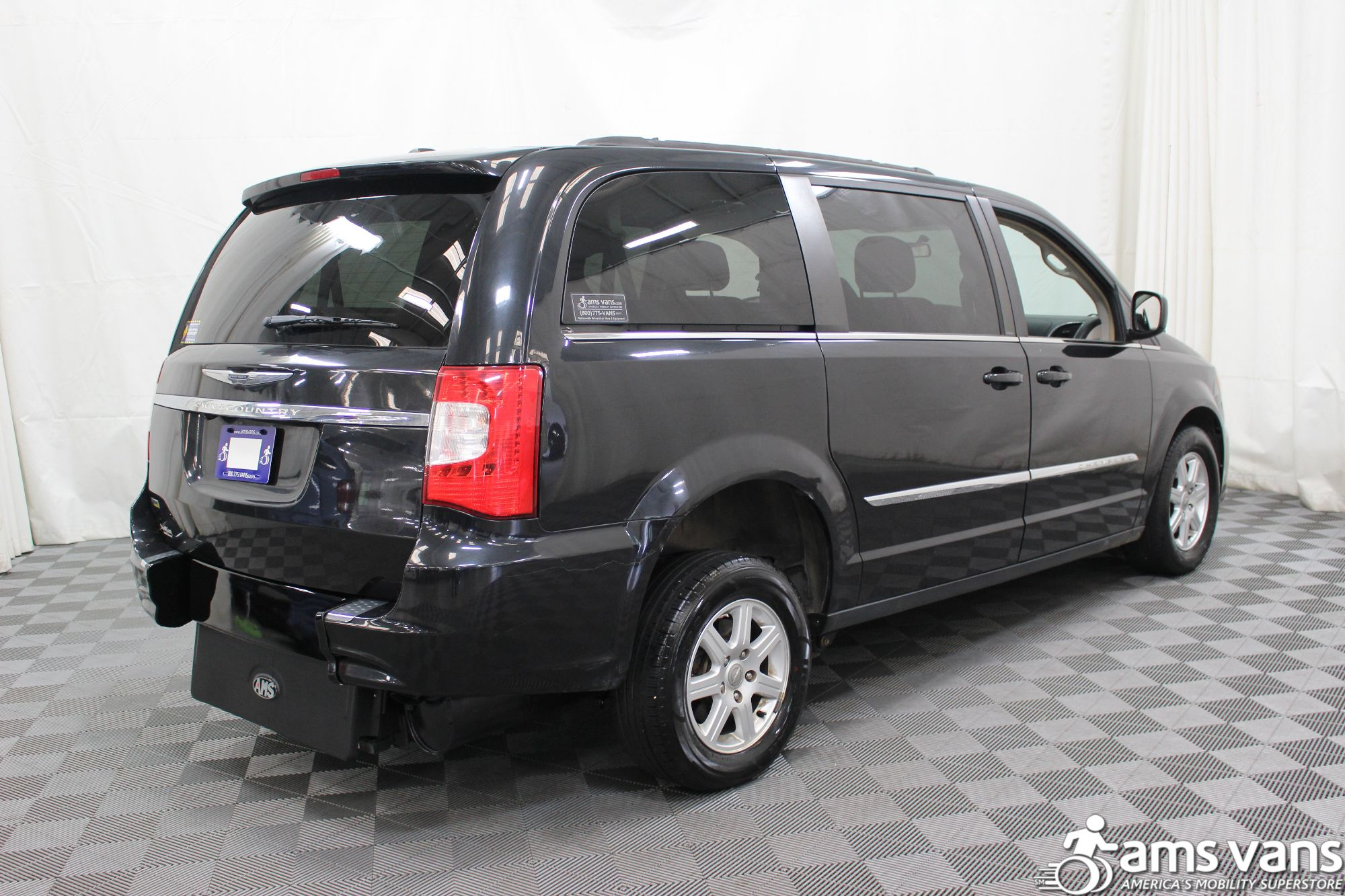 2011 Chrysler Town and Country Touring Wheelchair Van For Sale #10