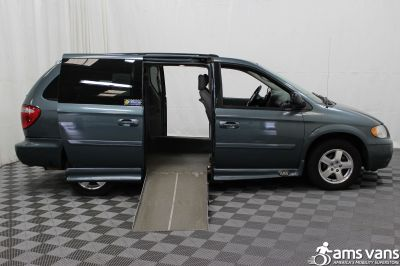 2007 Dodge Grand Caravan Wheelchair Van For Sale -- Thumb #2