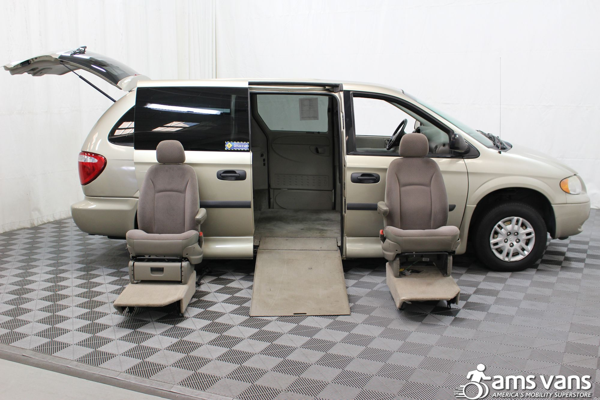 2007 Dodge Grand Caravan SE Wheelchair Van For Sale #9