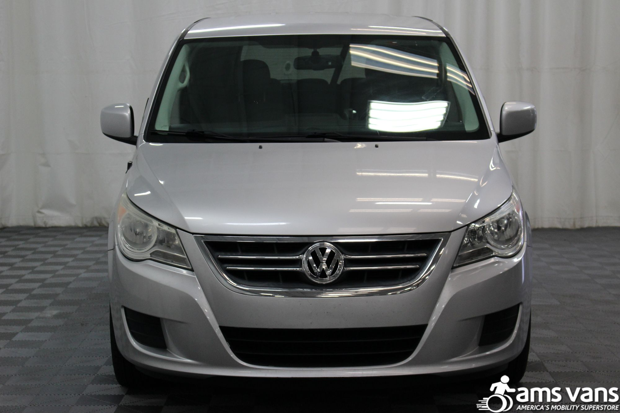 2010 Volkswagen Routan SE Wheelchair Van For Sale #18